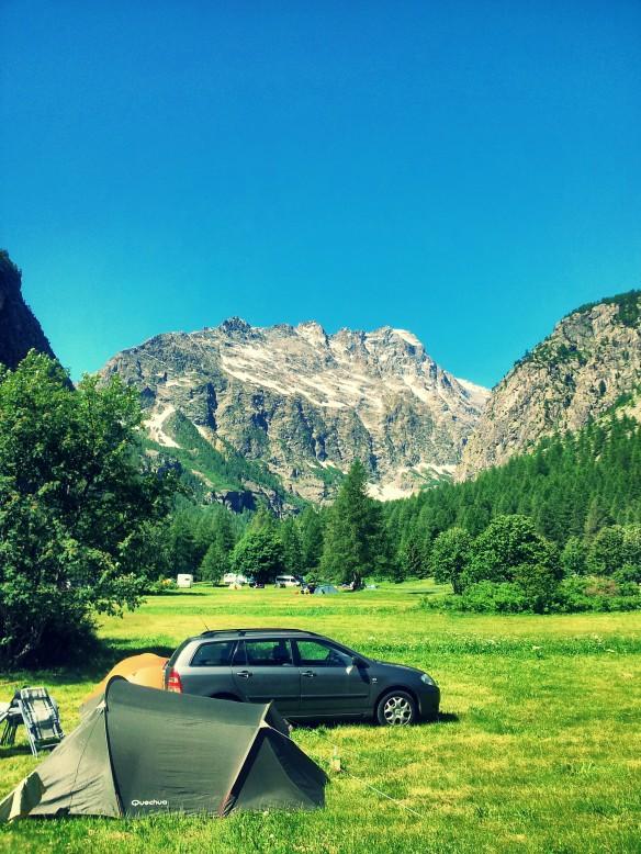 Vista desde el camping municipal de Ailefroide