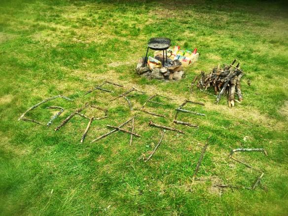 El mensaje y las provisiones que dejamos en el camping, espernado que alguien las aprovechara